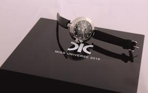 418092afb21 Na Miss Universe vydražili hodinky PRIM s diamantmi od DIC